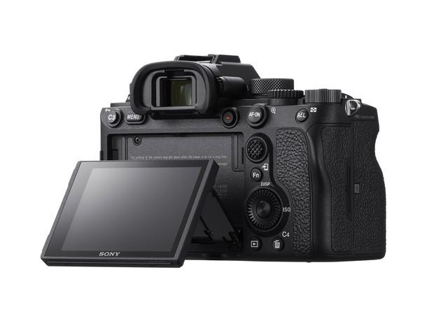 Sony-Alfa-A9-II-2 Sony α9 II Profesyonel Full Frame Fotoğraf Makinesi