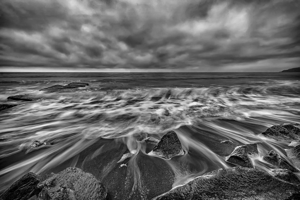 siyah-beyaz-manzara-fotografi-deniz-1024x684 Siyah Beyaz Manzara Fotoğrafçılığı İçin 5 İpucu