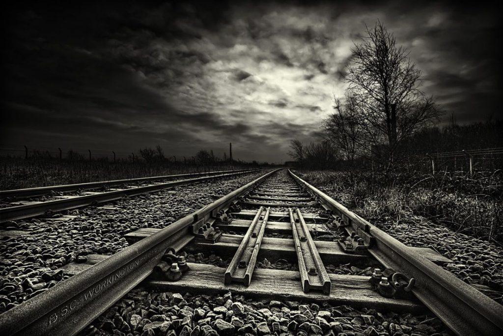 siyah-beyaz-manzara-fotograflari-tren-rayi-1024x683 Siyah Beyaz Manzara Fotoğrafçılığı İçin 5 İpucu